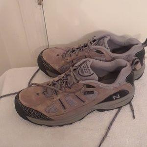 Mens new balance 646 walking tennis shoes sz10.5